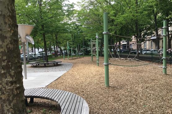 Spielplatz Sonntagsplatz / Hirschbrücke